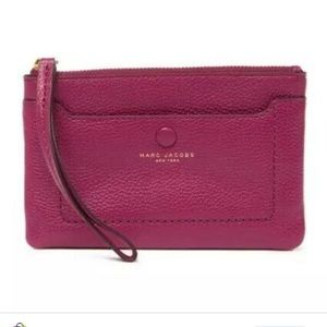 Marc Jacobs 🍁leather zip Phone whistlet wallet